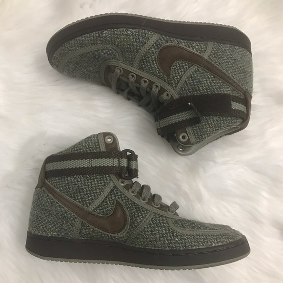 Nike Other - Men's Army green and tweed high top sneakers
